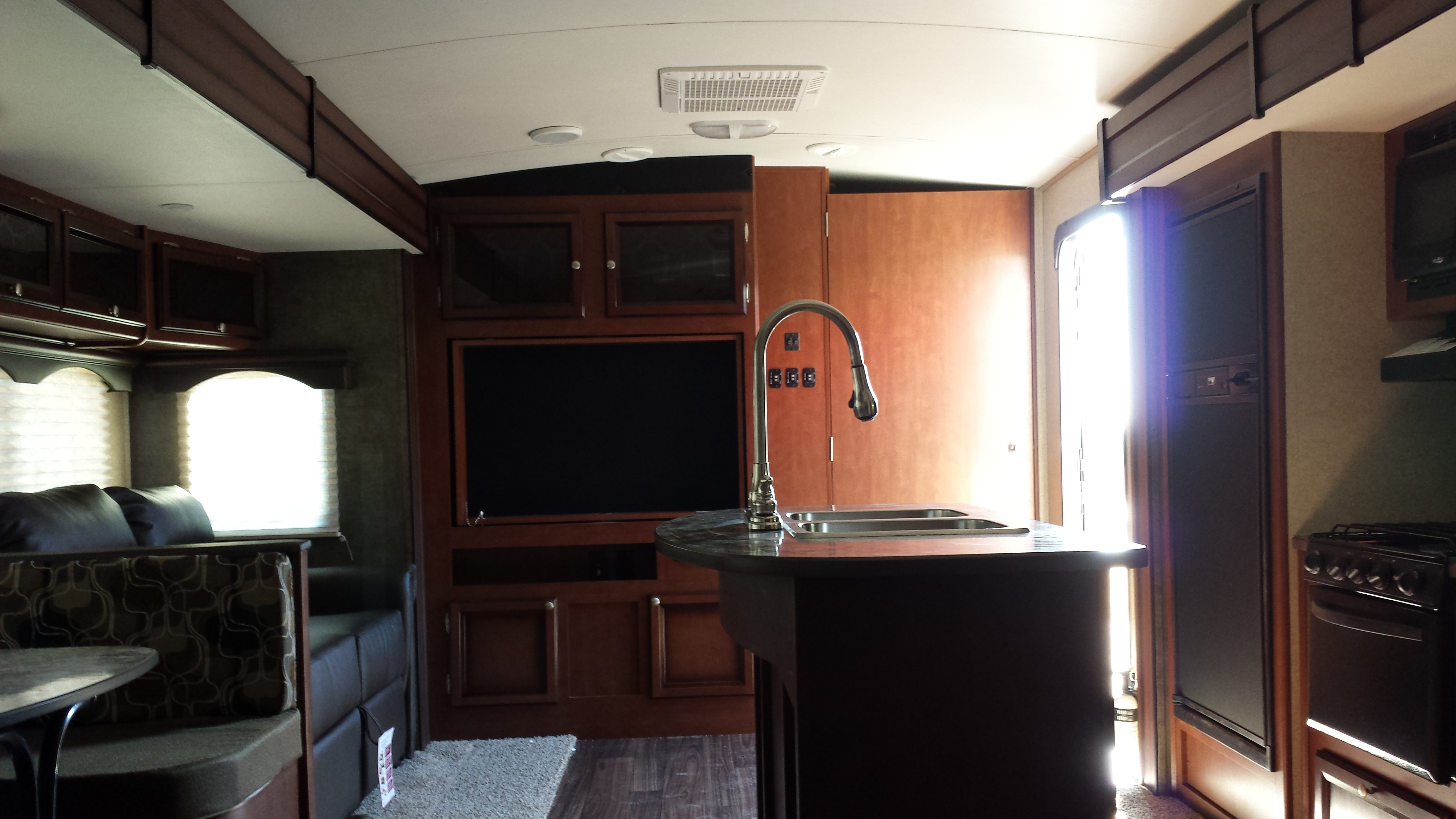 Cheap Travel Trailers For Sale >> WHOLESALE PRICE: 2014 Heartland Wilderness 2875bh travel trailer - $20500 - RV Renters World